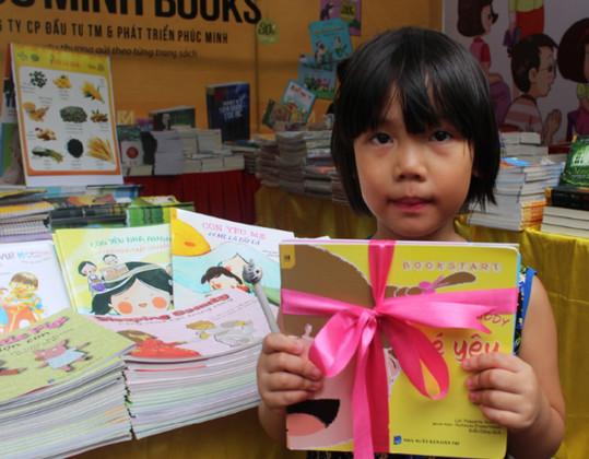Sự kỳ diệu của thói quen đọc sách hàng ngày cho trẻ