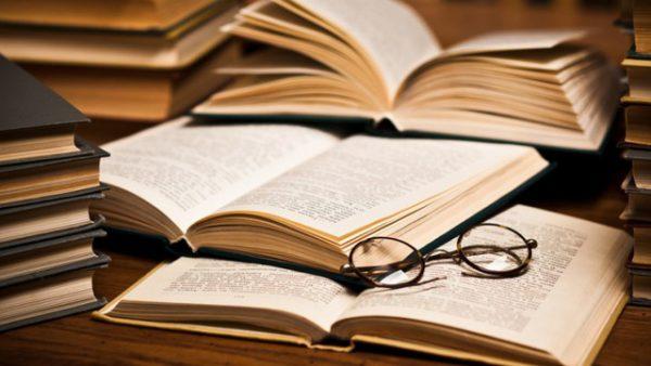 Ngành Văn học ra trường làm gì? Cơ hội việc làm ngành Văn học