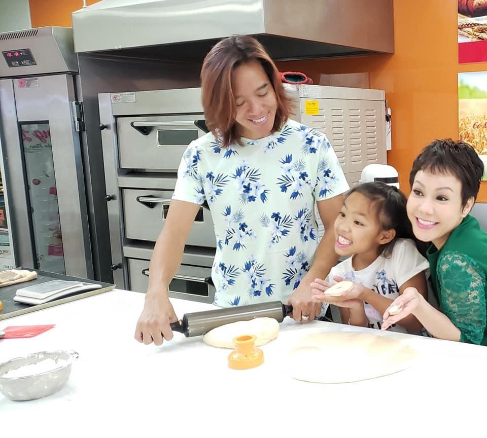Gia đình hạnh phúc hiện tại Việt Hương