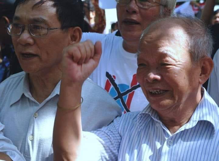 Ông xin ra khỏi Đảng và hội nhà văn Văn Việt Nam